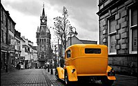 Tablou canvas yellow car (1)