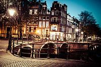 tablou night in amsterdam (1)